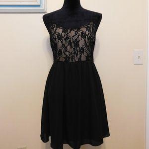 Forever 21 | black lace circular dress